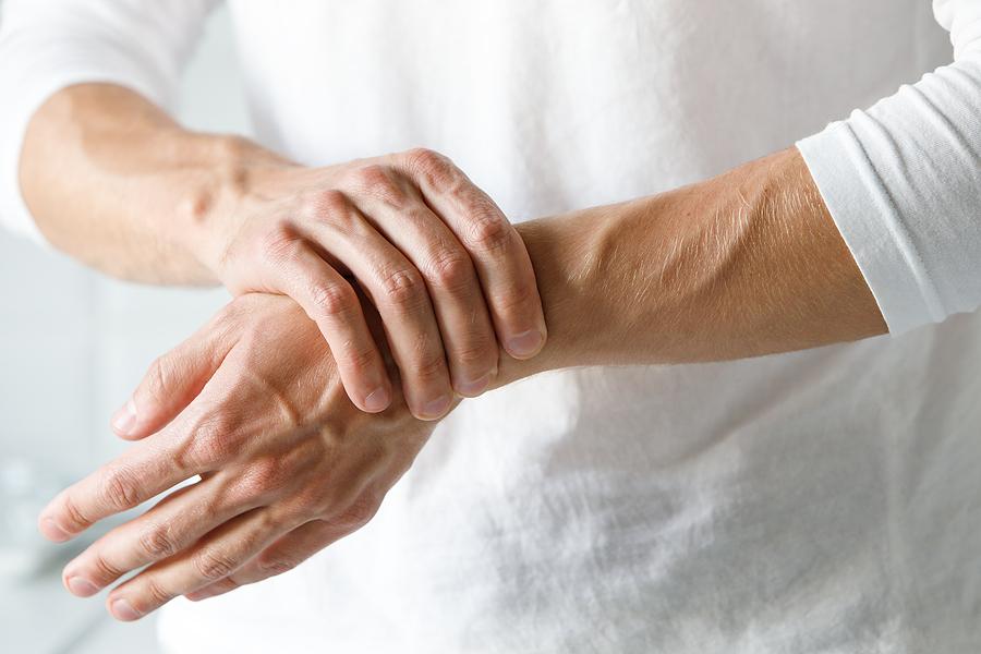 Haarausfall bei Rheuma ist zeitnah zu stoppen