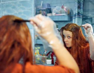 Haarausfall durch Henna tritt bei mangelhaften Färbemitteln auf