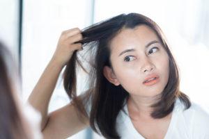 Haarausfall im Alter bei Frauen Was tun