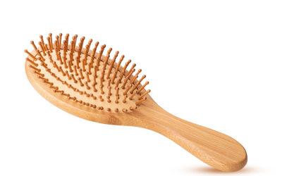Die passende Haarbürste gegen Haarausfall