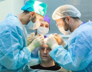 Haartransplantation Geheimratsecken Behandlungsmethoden