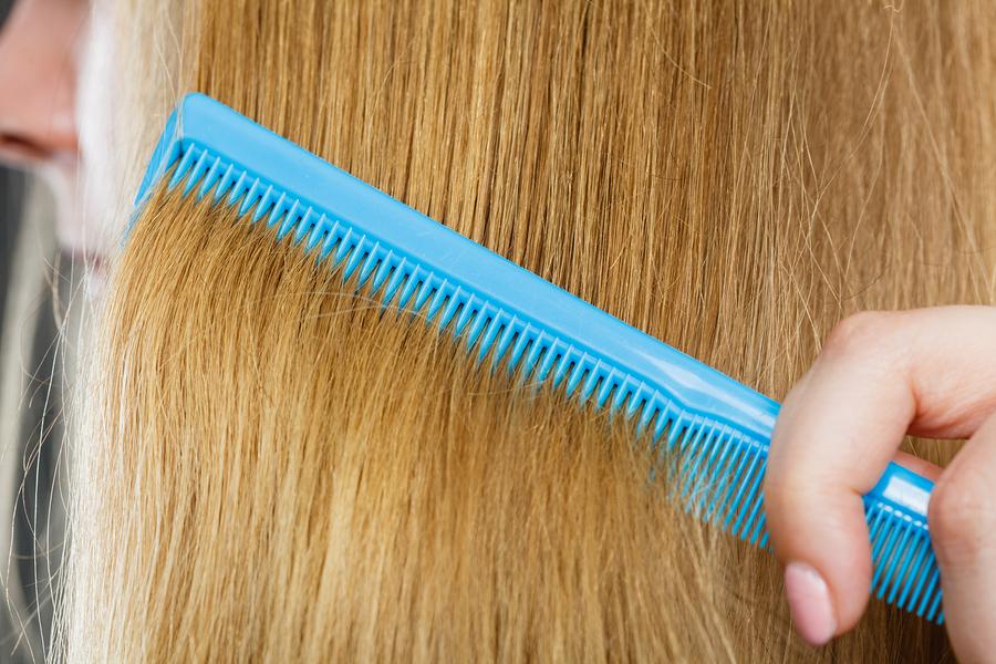 Haartransplantation bei blonden Haaren