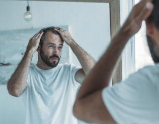 Hormoneller Haarausfall – Ursachen & Mittel dagegen