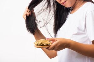 Kreisrunder Haarausfall durch Stress